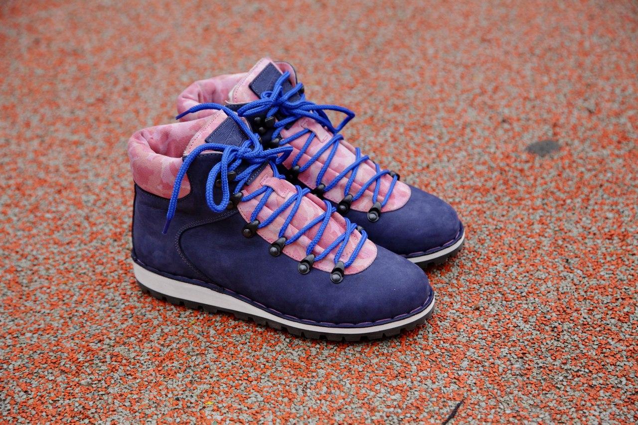 afour boots