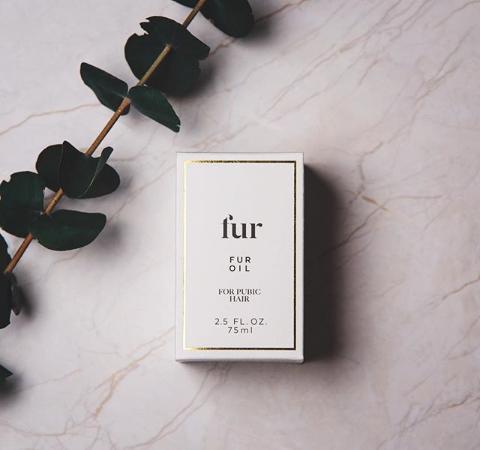 Baard olie kan net zo luxe kijken als parfum - mooie product foto van @awakeningboutique