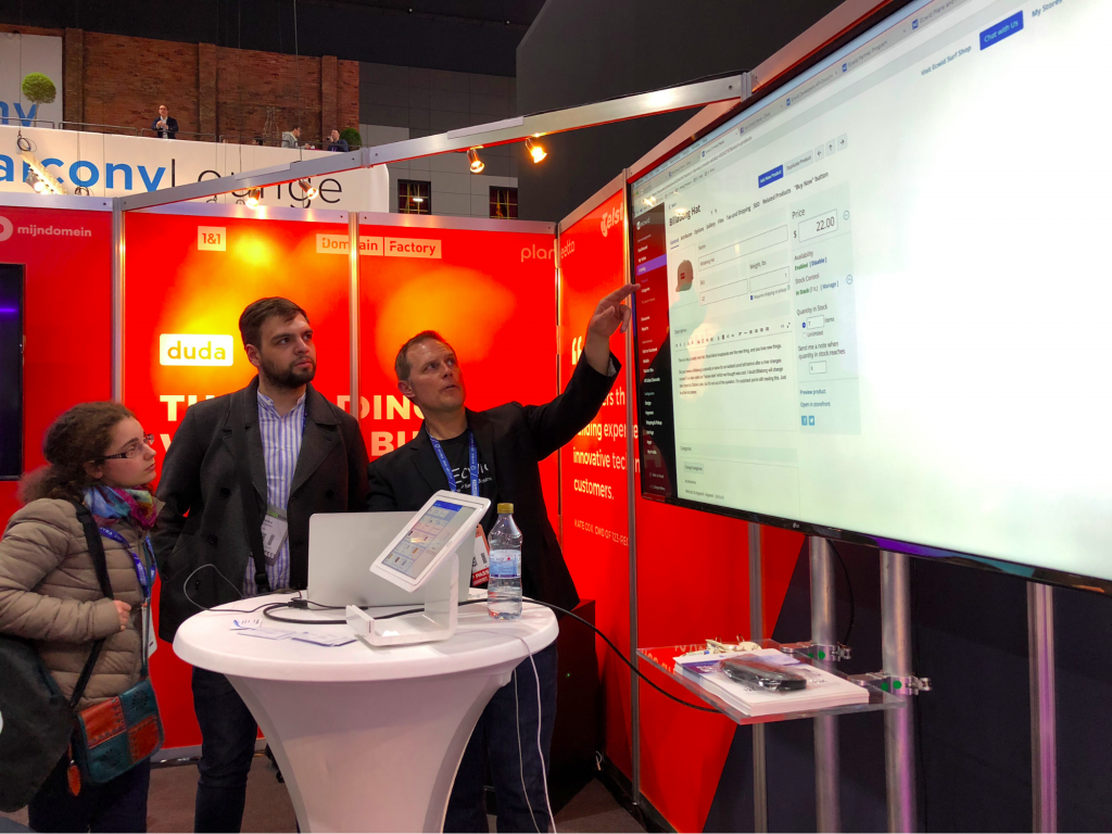 Ecwid at Cloudfest booth