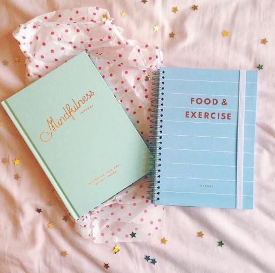 В дневниках можно вести учет упражнений и отслеживать свое эмоциональное состояние (Фото: @jasmineharley)