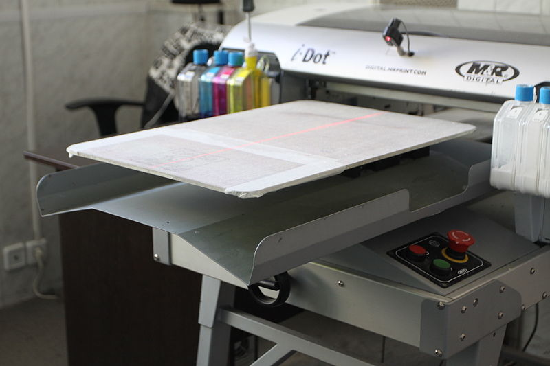 Принтер для печати на ткани (Источник: Wikimedia)